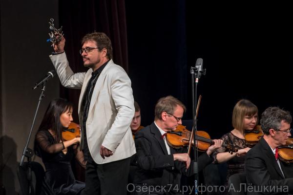 Легенда российской эстрады и оркестр Росгвардии выступили в Озерске